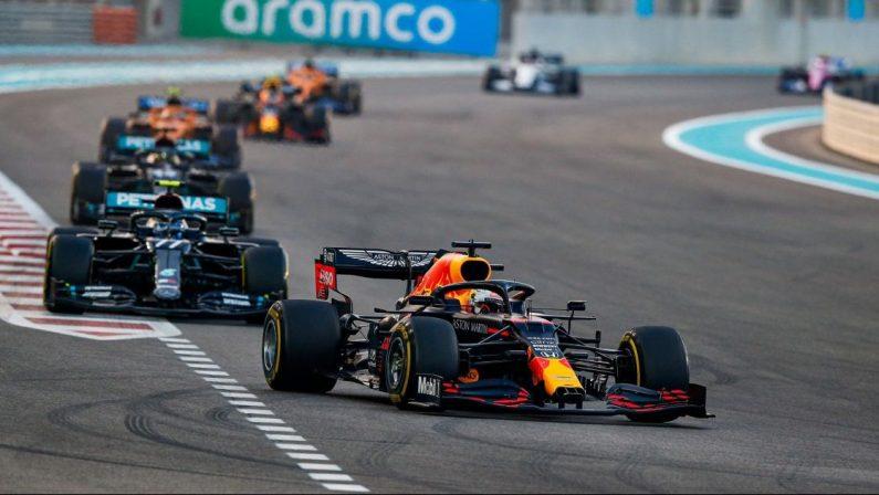Formula 1, ad Abu Dhabi vince Verstappen su Bottas e Hamilton. Vettel saluta: «All'inizio un sogno, poi tristezza»