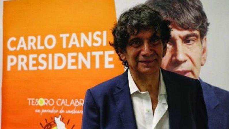 «Sono incazzato. Se De Magistris continua così, sarà rottura». Parola di Carlo Tansi