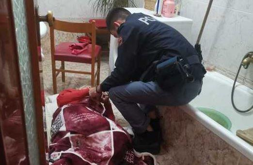 Anziana sola cade in casa a Crotone, la polizia la salva dopo avere sentito le urla