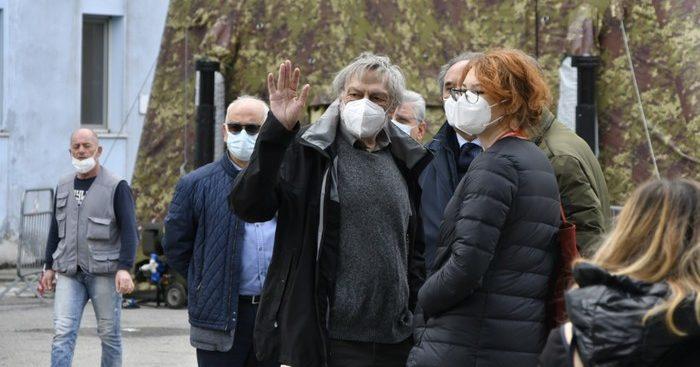 Gino Strada: «A Crotone accolti in modo molto bello» e sulla Sanità: «Deve essere davvero pubblica»