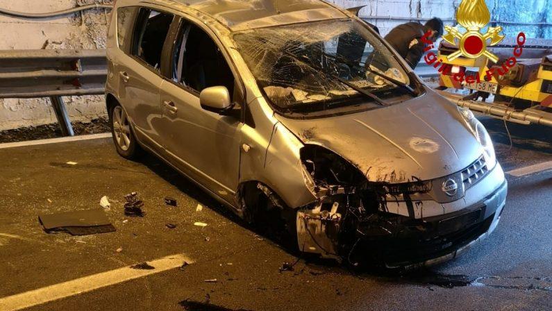 Cosenza, incidente tra tre auto sulla Statale 107: una persona portata in ospedale