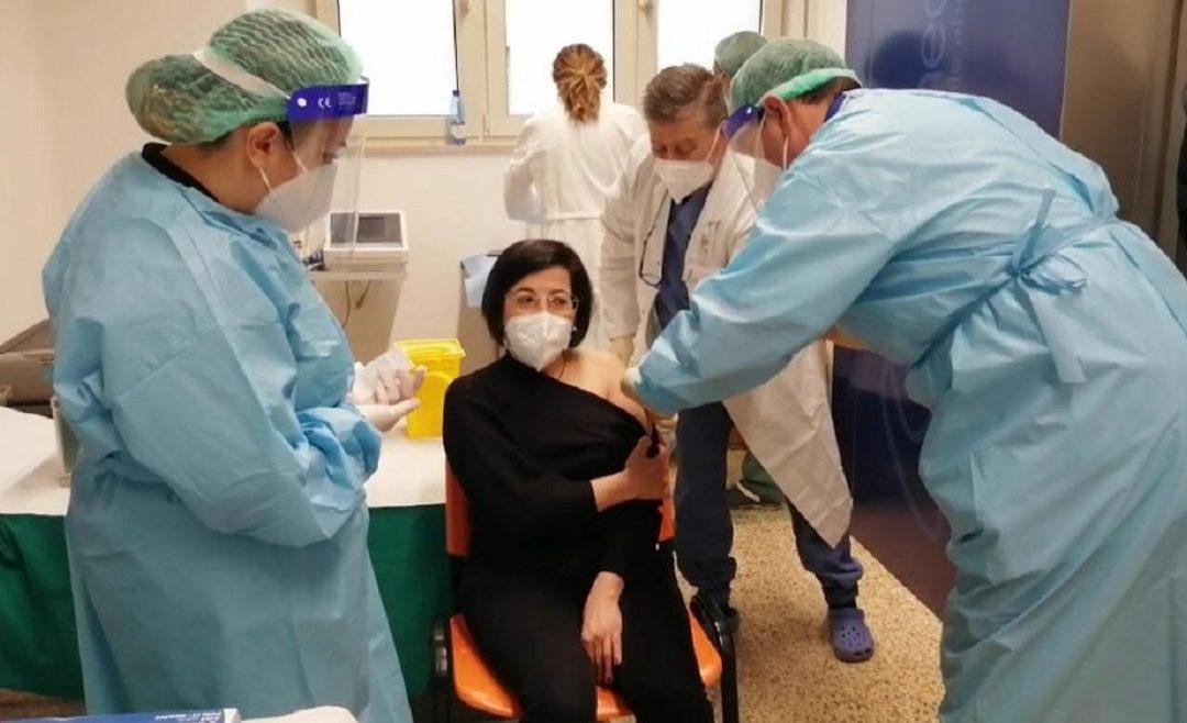 La prima vaccinazione a Cosenza a fine dicembre 2020