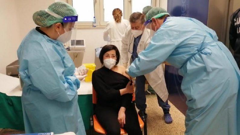 Coronavirus in Calabria, Longo vara il piano vaccinale anti Covid