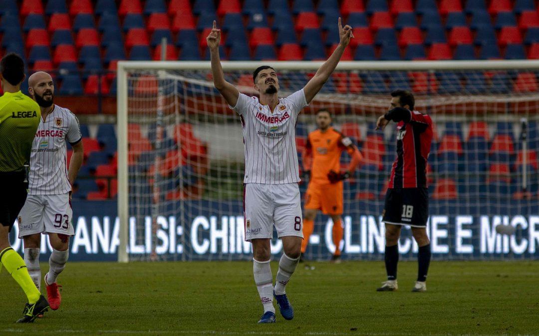 L'esultanza dopo il gol di Varone