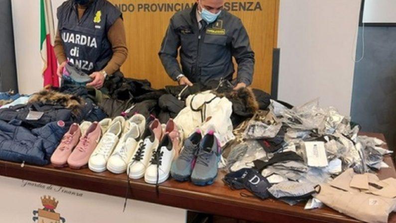 Cosenza: sequestrati oltre mille capi d'abbigliamento contraffatti, un denunciato
