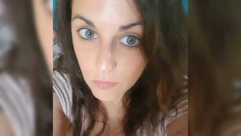 Rimini, 37enne lucana muore in un incendio