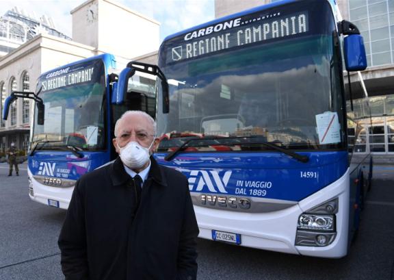 Trasporti: De Luca, 259 nuovi bus anche aiuto a ripresa scuola