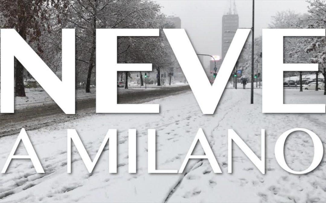 Milano si risveglia sotto la neve