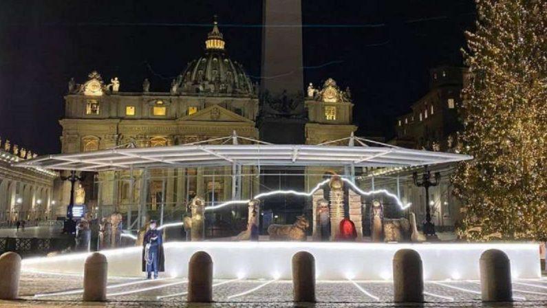 Astronauti a Betlemme Quanto è brutto il presepe del Vaticano