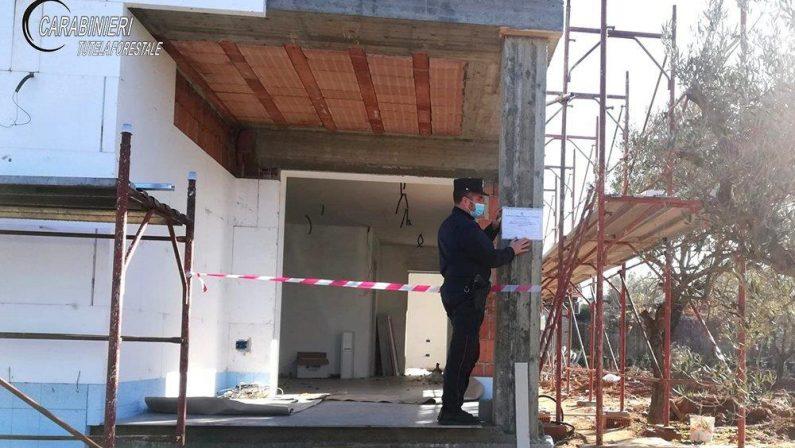 Villa con piscina abusiva, sequestro nel Cosentino: 3 denunce