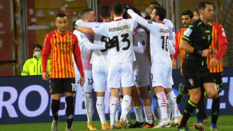 Serie A, il Milan vince a Benevento e resta in vetta alla classifica