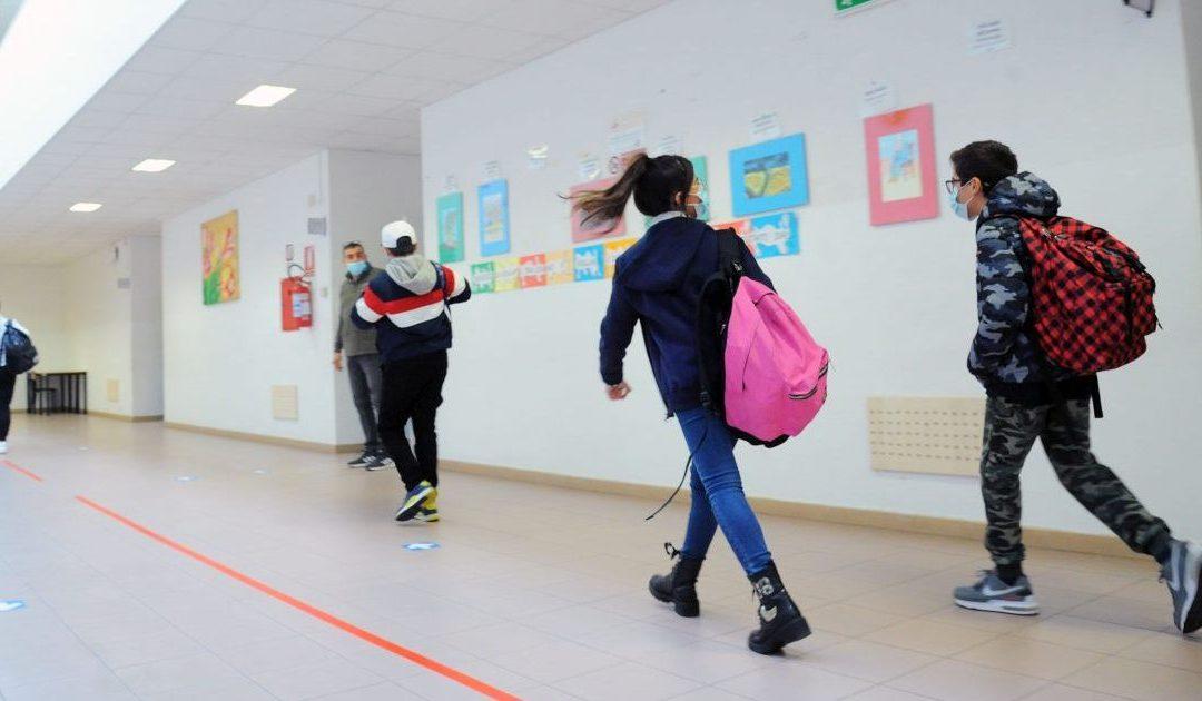 Calabria in zona rossa, scuole aperte ma non per tutti