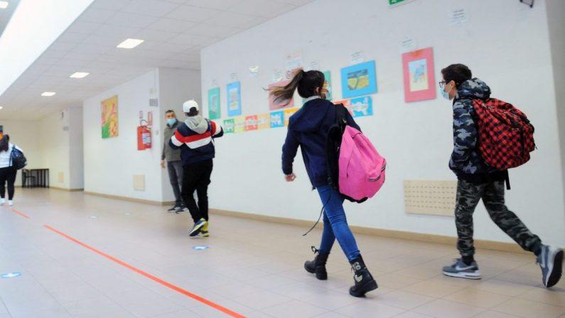 Scuola e covid, Spirlì: «Dirigenti scolastici si adeguino per didattica integrata»