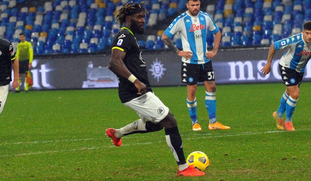 """Serie A, lo Spezia espugna il """"Maradona"""", Napoli sconfitto 2-1"""