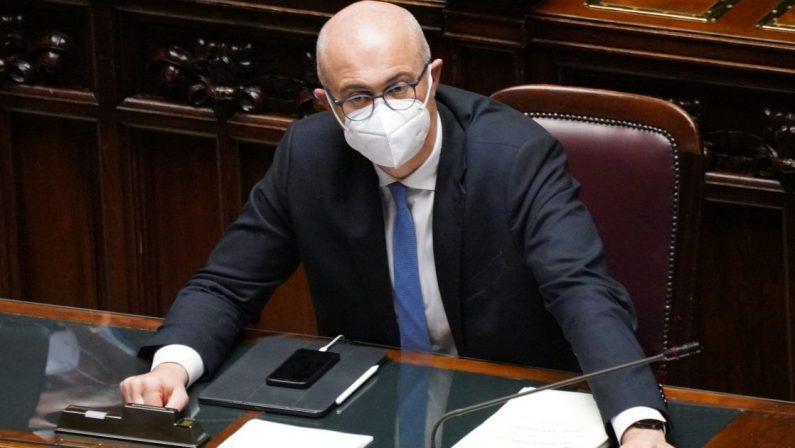 Coronavirus, contrordine: il tampone del ministro D'Incà era un falso positivo