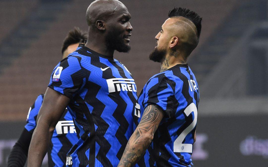 L'Inter batte 2-0 la Juventus, gol di Vidal e Barella