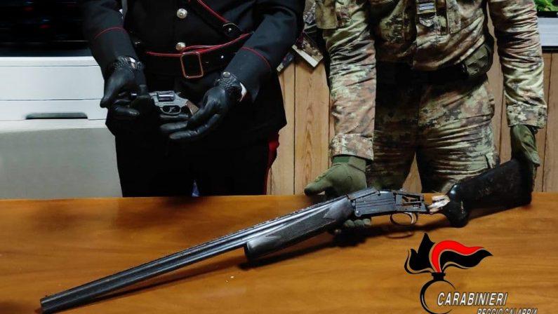 Armi e munizioni rinvenute in un terreno nel Reggino, avviate indagini