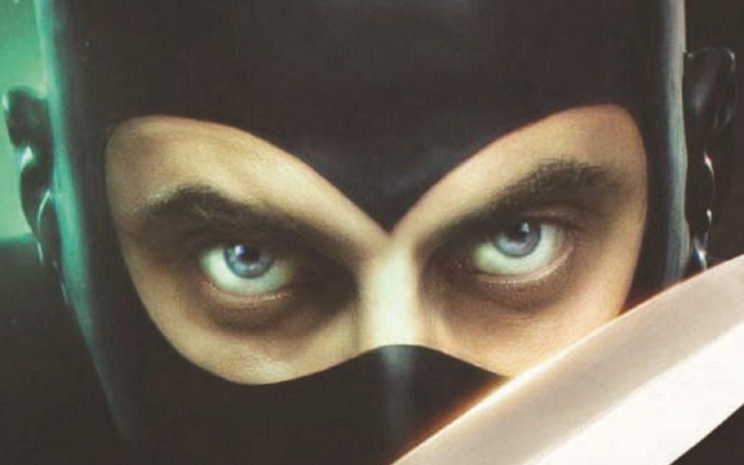 Lo sguardo di Luca Marinelli nei panni di Diabolik