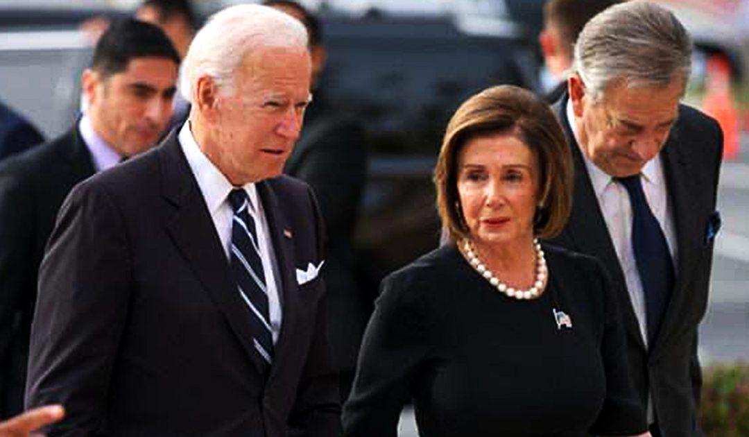 Joe BIden e Nancy Pelosi