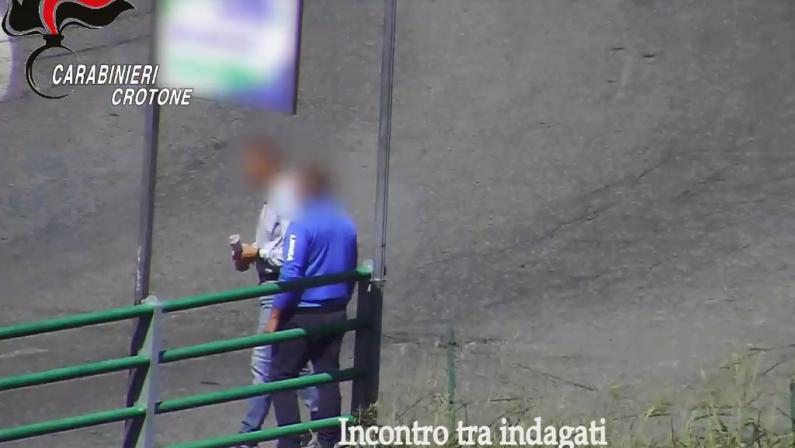 'Ndrangheta, omicidio ed estorsioni nel Crotonese: 12 persone arrestate - VIDEO