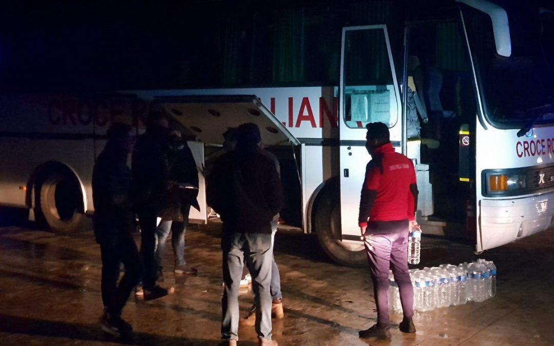 Cinquanta migranti sbarcati nella notte a Cirò Marina. Fermati i tre scafisti