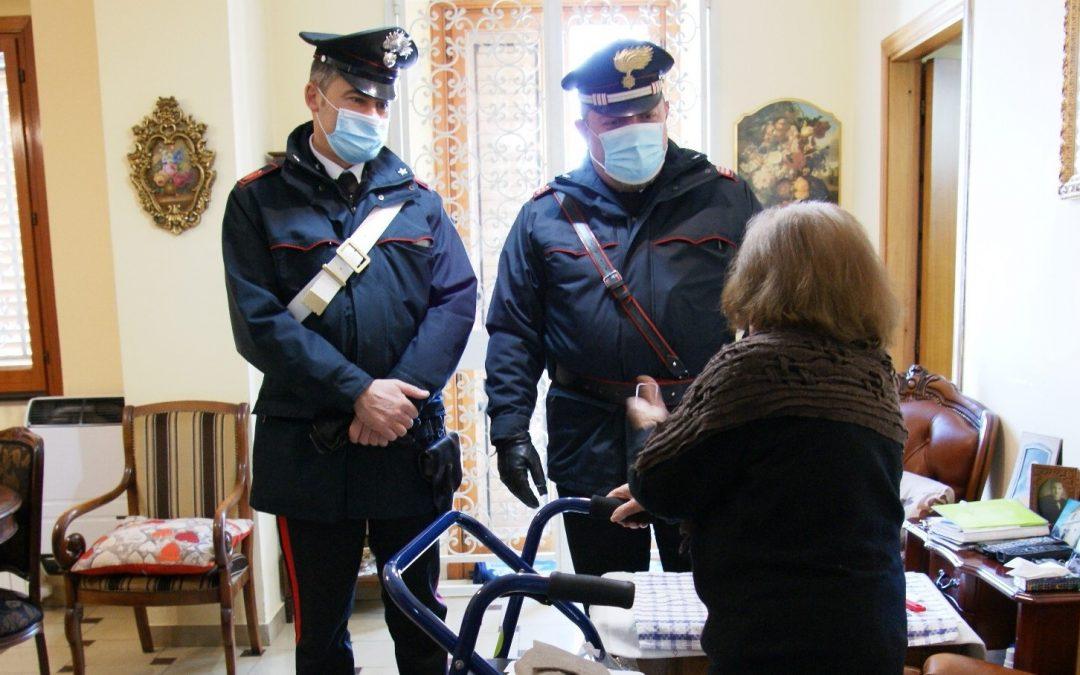 """Sant'Angelo dei Lombardi, anziana sola in casa chiama i acrabinieri: """"Sono rimasta al freddo, sto male"""""""
