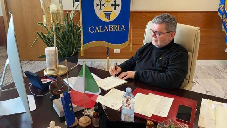 Agenzie di viaggio e imprese turistiche, la Regione Calabria sospende la tassa regionale