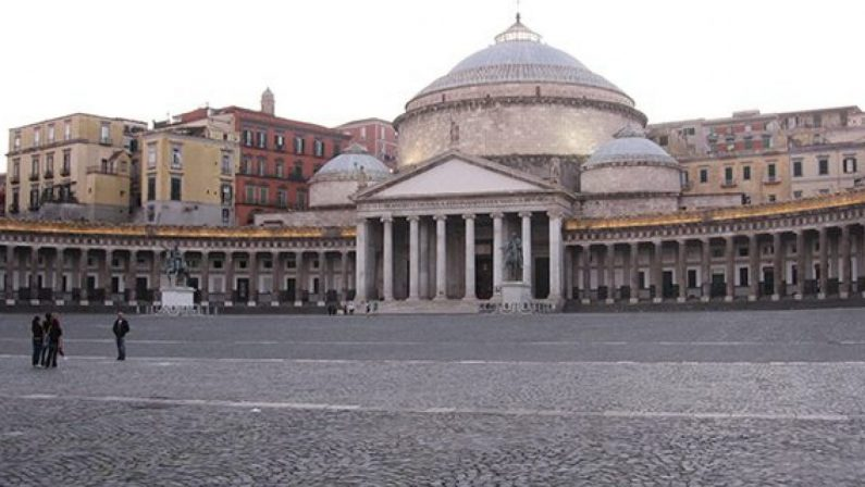 Napoli, non accetta fine della loro relazione, 17enne accoltella fidanzata: arrestato