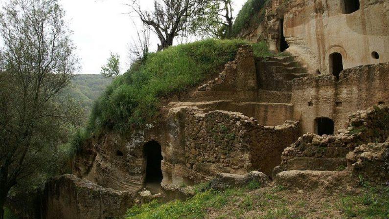 Truffa sui lavori al sito archeologico, indagato il sindaco di Zungri e altre sei persone - VIDEO