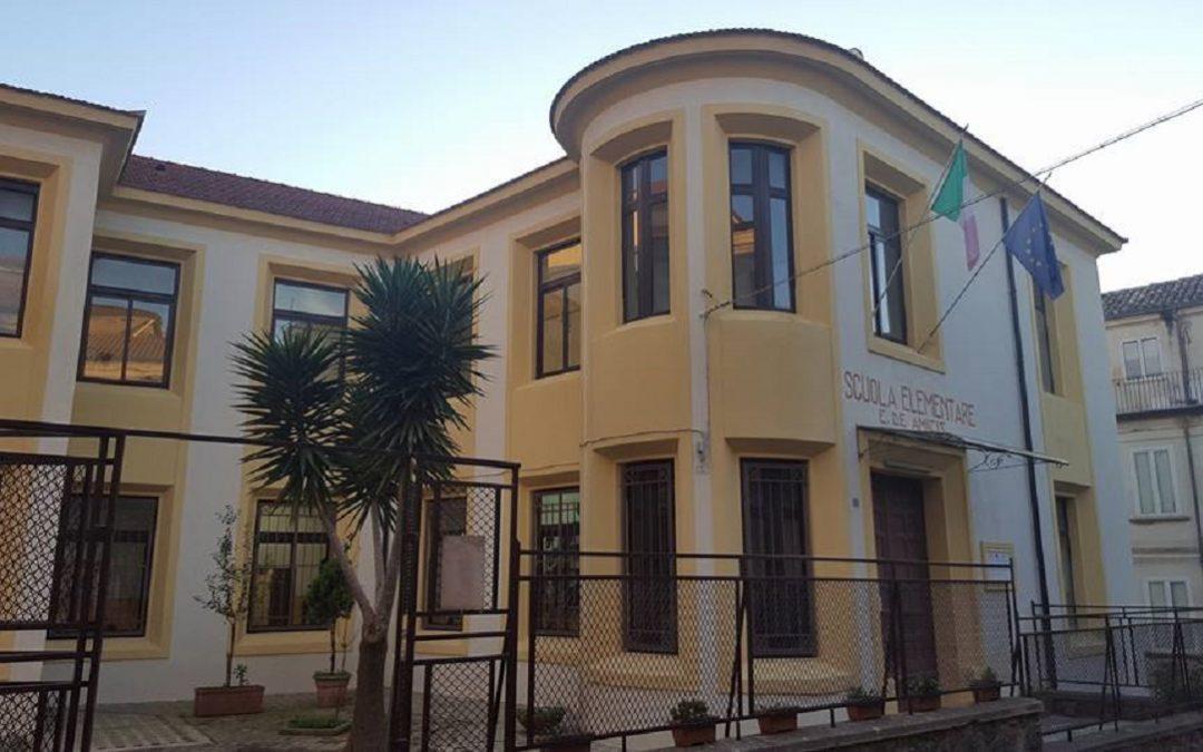 """La scuola elementare """"De Amicis"""" di Vibo Valentia"""
