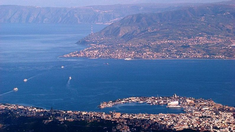 Ponte sullo Stretto, la proposta dei 5 Stelle siciliani dopo lo scontro interno: «Decida un referendum»
