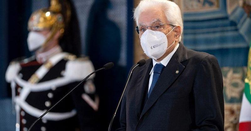 Coronavirus, il presidente Mattarella: «Siamo riconoscenti al personale sanitario in prima linea»