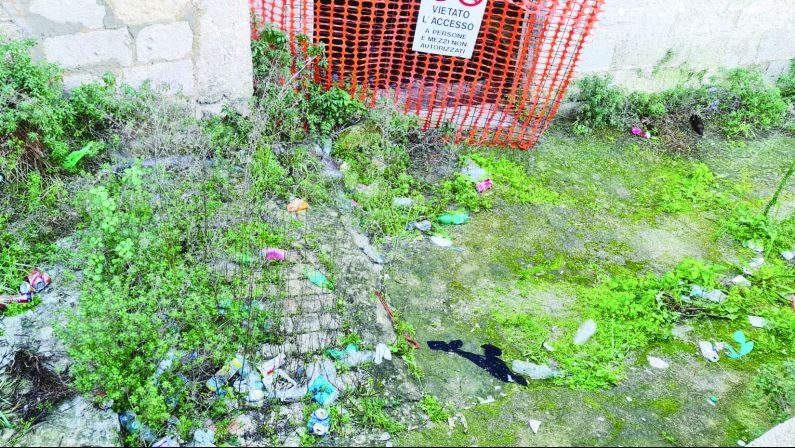 Matera, sassi tra degrado, spaccio e rifiuti