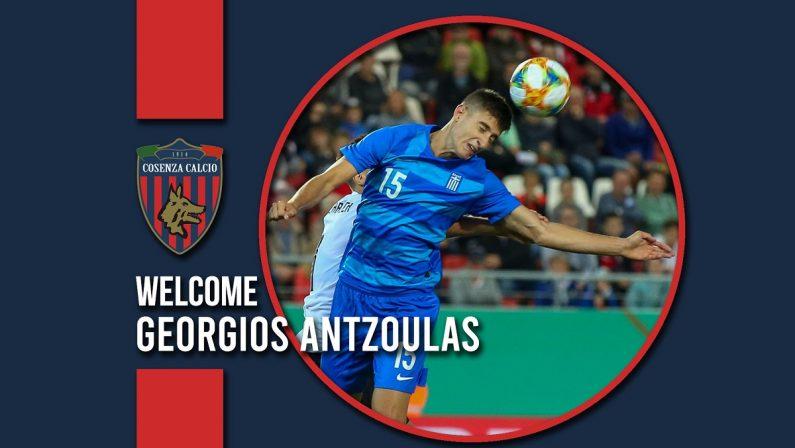 Cosenza, dopo Mbagoku ufficiale anche il difensore greco Antzoulas