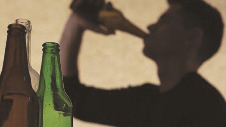 Giovani ubriachi, i genitori chiedono aiuto al detective