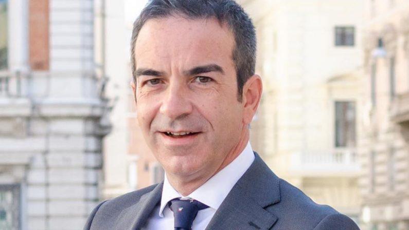 Emergenza vaccini, Occhiuto (Forza Italia) chiama Speranza e Figliuolo: «Intervengano in Calabria presto»