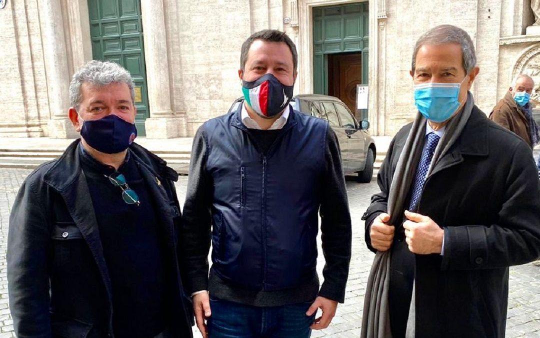 Matteo Salvini insieme ai presidenti di Regione Calabria e Sicilia, Nino Spirlì e Nello Musumeci