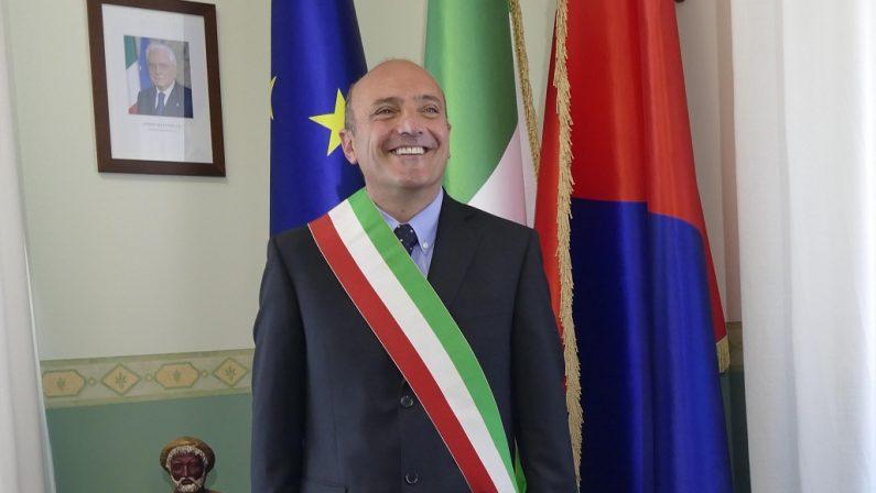Gestione della piscina, l'ex sindaco di Crotone Pugliese e due ex assessori rinviati a giudizio