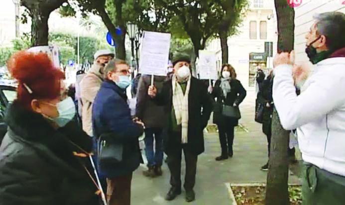 Processo Banca popolare di Bari, un altro rinvio perché non si trova un'aula