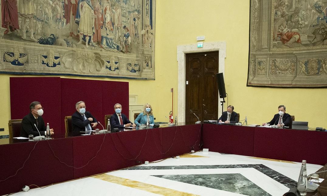 Un momento delle consultazioni di Mario Draghi