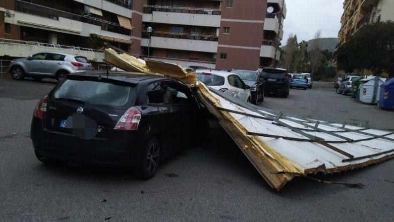 Maltempo, danni e disagi per il vento forte: decine di interventi nel Crotonese