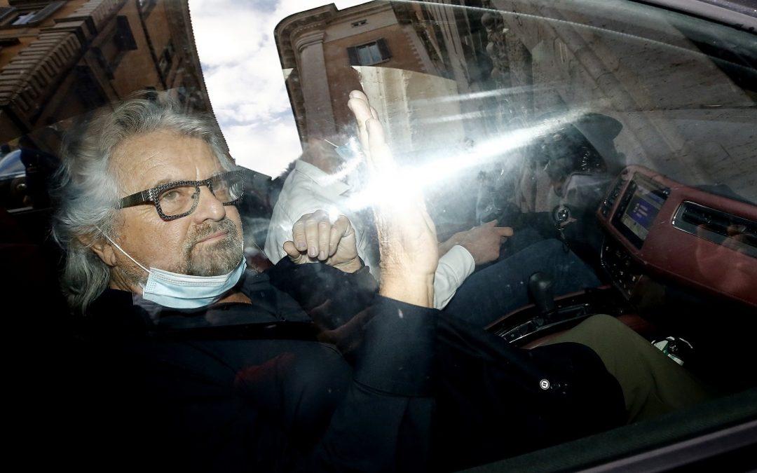 Beppe Grillo prima dell'incontro con Mario Draghi