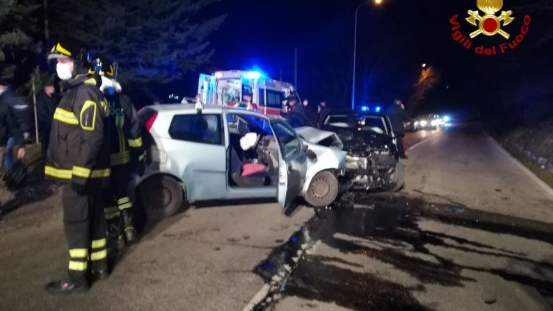 Incidente stradale a Pignola, coinvolte due auto