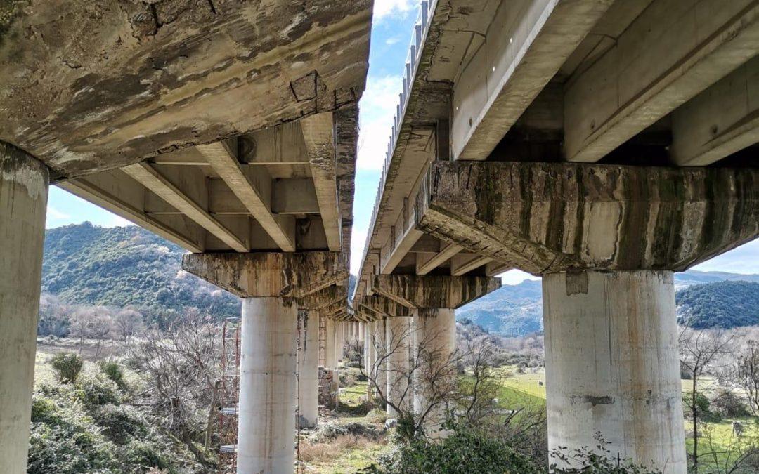 """Il viadotto Turato sulla SS 407 """"Basentana"""", nel territorio di Calciano (Matera)"""