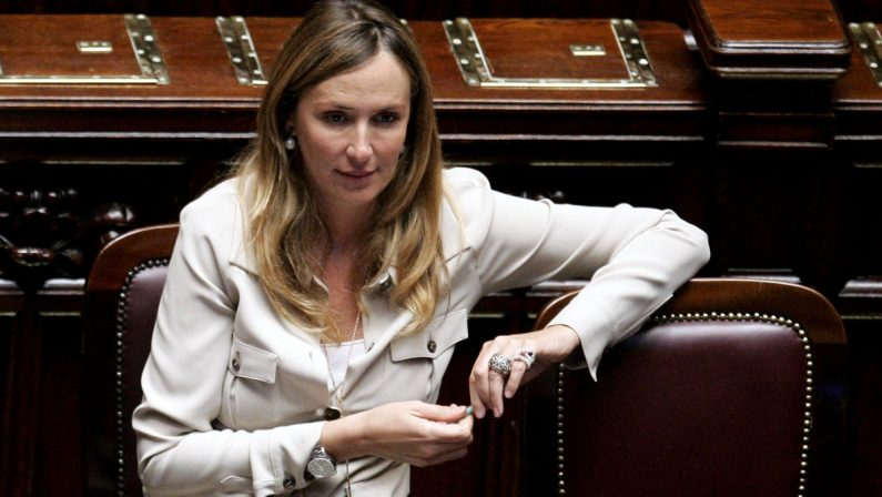 «Non si può gettare nel cestino l'opera più importante del Mediterraneo»