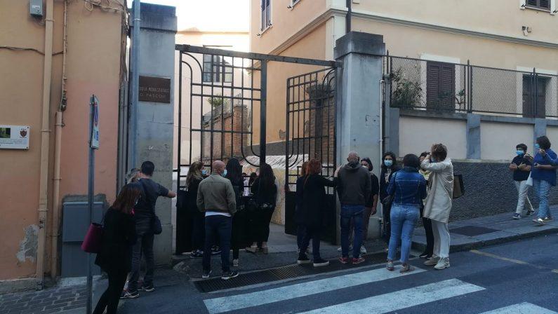 Coronavirus in Calabria, alunni positivi in una scuola di Catanzaro: chiuse due classi