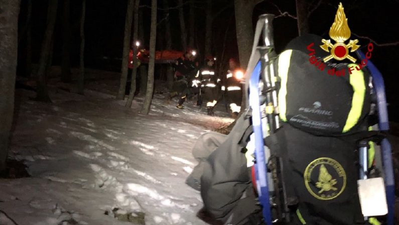 Giovane si perde nei boschi della Sila, i soccorritori lo ritrovano in tarda serata