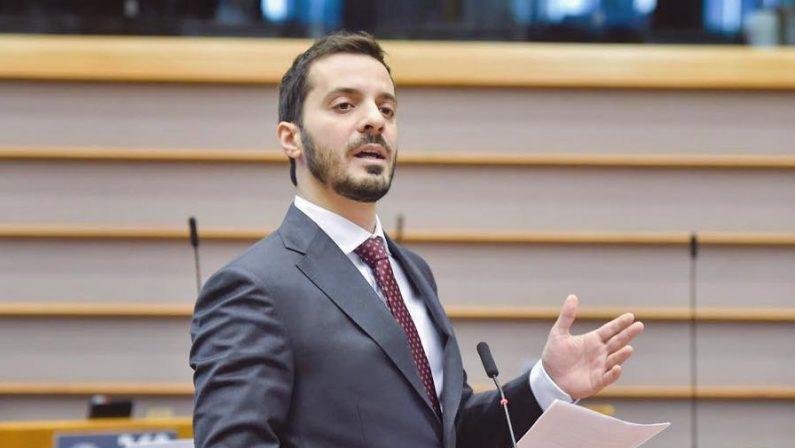 Lega, l'eurodeputato Sofo lascia Salvini e aderisce a Fratelli d'Italia