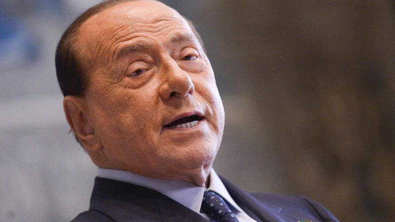 BERLUSCONI RIPARTE DALLE TASSE CON L'OCCHIO ATTENTO AL CETO MEDIO