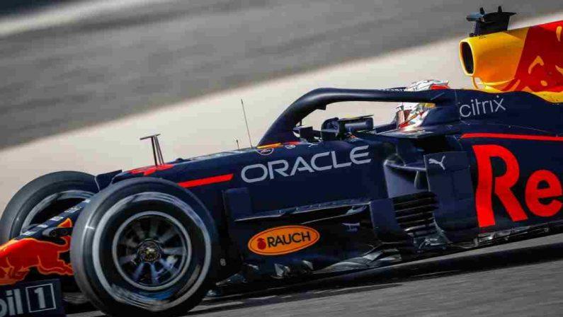 Formula 1 2021, Pole Verstappen in Bahrain davanti a Hamilton, Leclerc quarto
